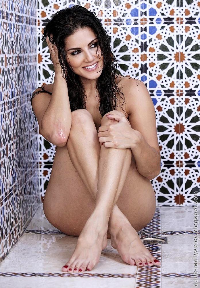 Hya Mula Porn Star Sunny Leone Nude Photos-6814