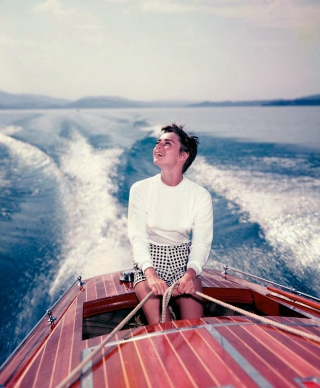 20 rare photos of the inimitable audrey hepburn