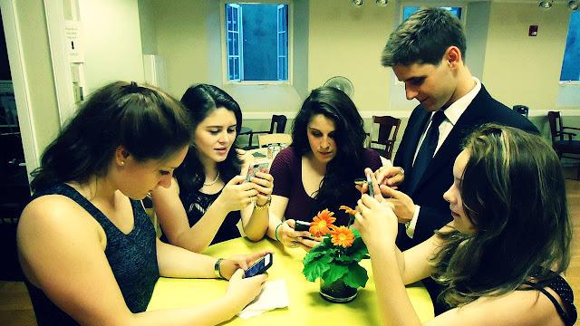 Obesitas Tipe 1, remaja pakai smartphone