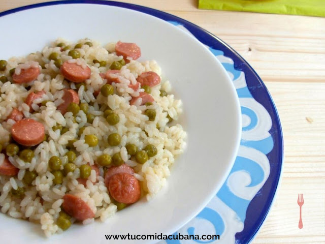 arroz-con-salchicha-wurstel