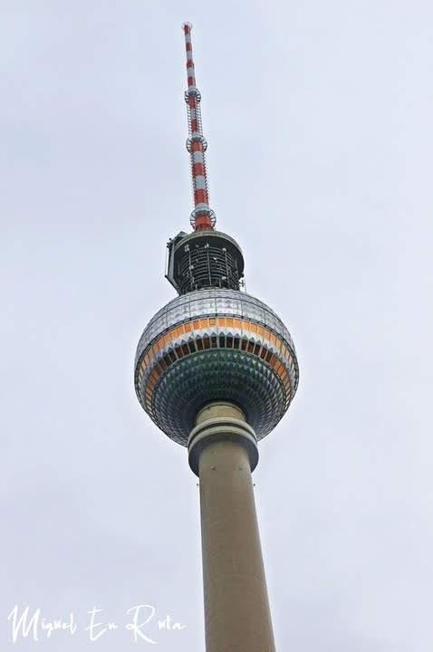 Berliner-Fernsenhturm-Berlín