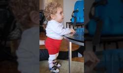 Συγκινητικό βίντεο: Ο μικρός Παναγιώτης – Ραφαήλ στέκεται στα πόδια του
