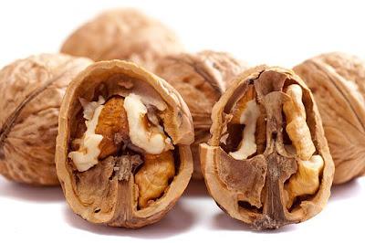 Walnuts: Natural beauty tips