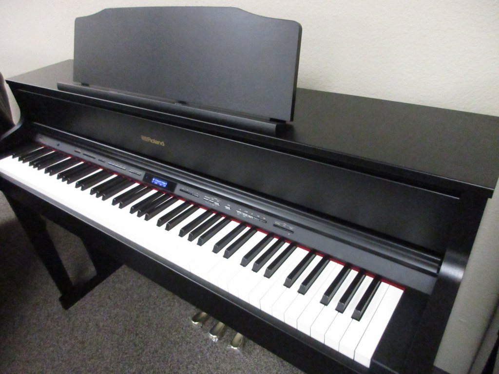 Great review of Roland Digital Pianos by Tim Praskins