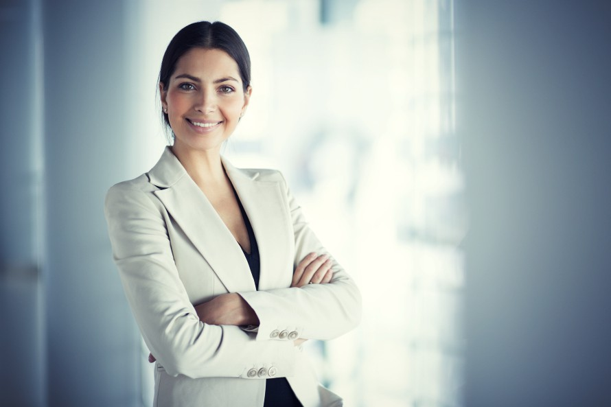 woman-posing-personal-branding