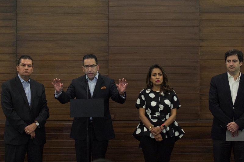 Ante el escándalo de los desvíos que involucran a Robles, quieren deslindar a Meade del caso