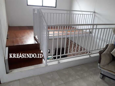 Mezzanine Besi ini Keren di Pasang di Atas Ruang Tamu pesanan Bu Asmida Tanjung Barat Jakarta