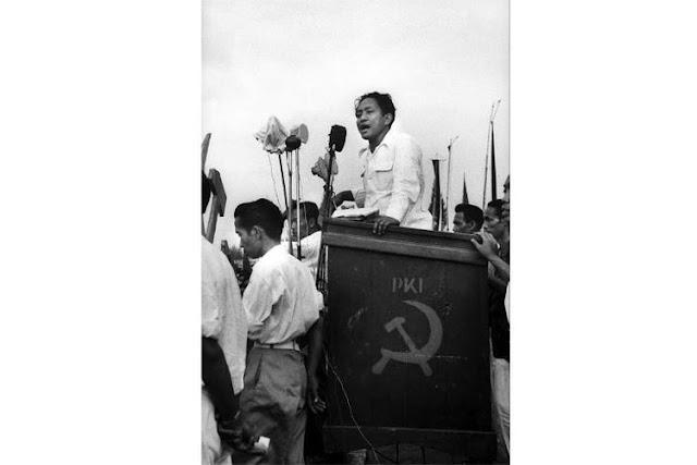 Penjelasan soal Foto Kampanye PKI DN Aidit yang Terdapat Pria Mirip Jokowi