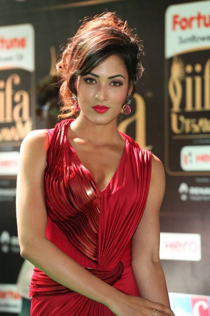 Tollywood Actress Vidisha At IIFA Awards 2017 In Red Dress