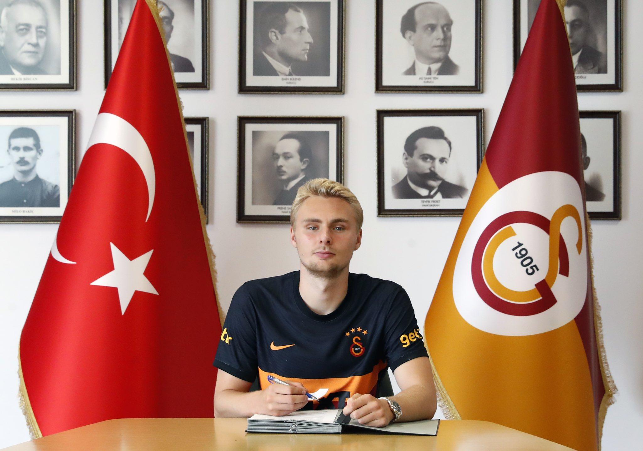 Victor Nelsson resmen Galatasaray'da!