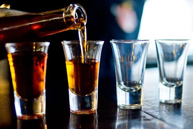 Alcoholic beverages for health benefits and effects.
