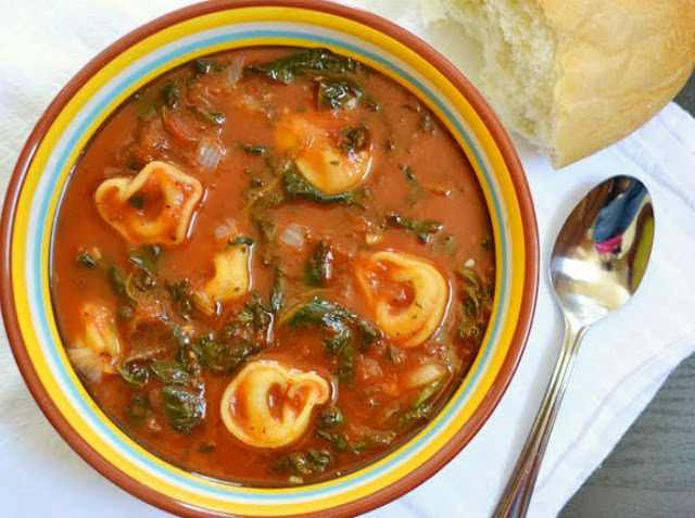 Tomato Tortellini Soup #dinner #soup