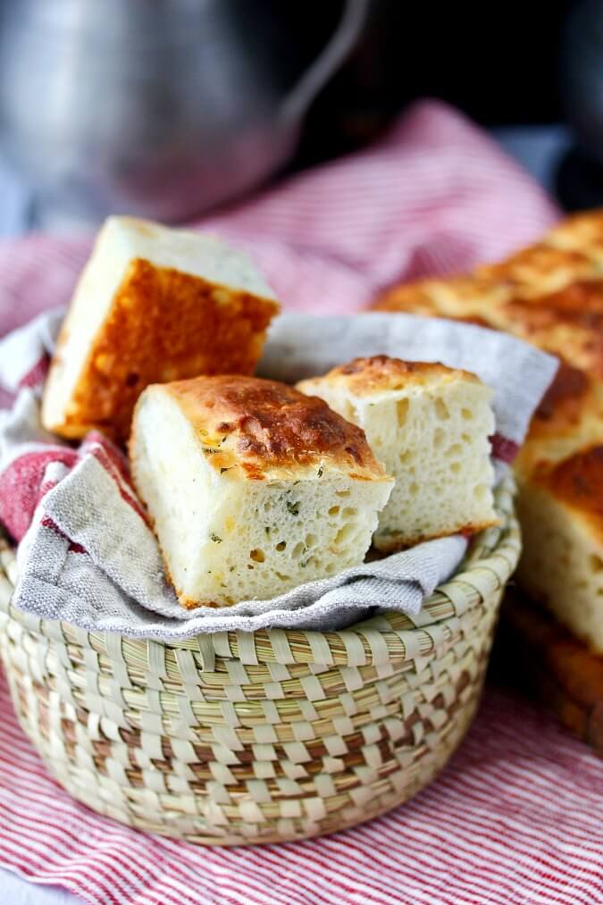 This Cheesy Potato and Thyme Pavé Bread can be cut into squared for dinner rolls