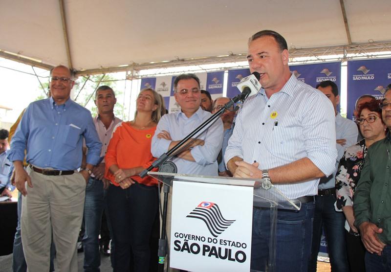 Governador Alckmin inicia obra da Clínica da Saúde na Vila Ribeirópolis em Registro-SP