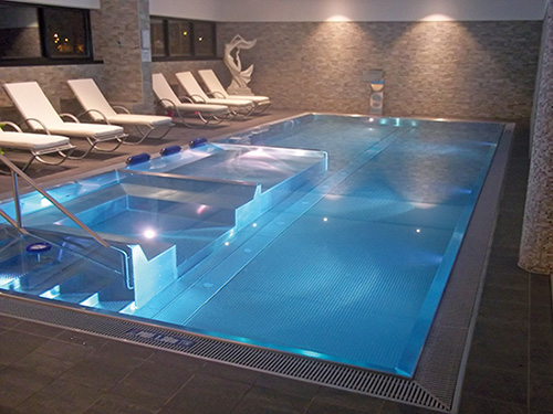 Le blog des professionnels de la piscine et du spa zeller for Construction piscine inox