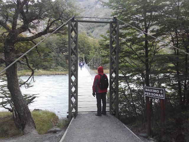 Puente sobre el río Pingo