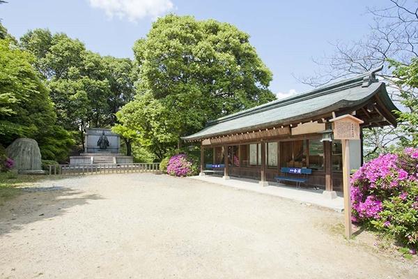 ศาลเจ้าคอนปิระ (Konpira Shrine: こんぴらさん)