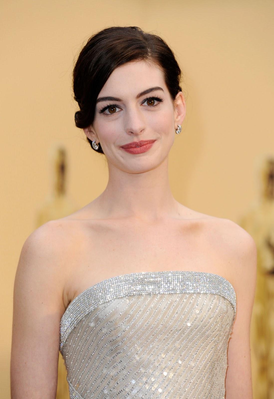 Fashion & Celebrities: Anne Hathaway