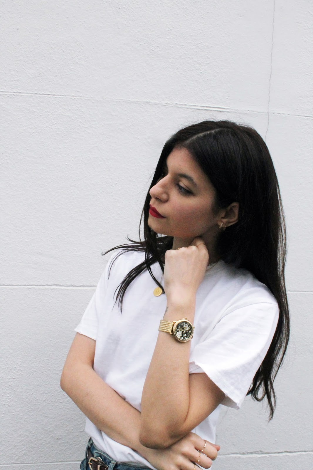 denim, white t shirt, winter outfit, red lips, fashion blogger, london blogger, microinfluencer, guess watch, giveaway,