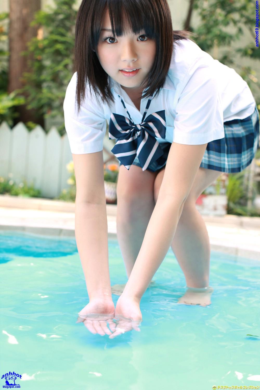 Ai Shinozaki - Gái xinh nghịch nước