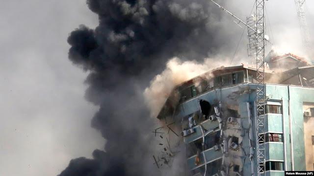 Rudal Israel Hancurkan Gedung Kantor Media