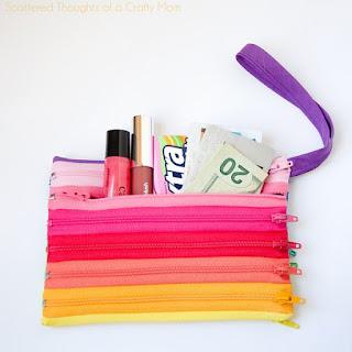 Pochette con zip realizzata da scattered thoughts of a crafty mom