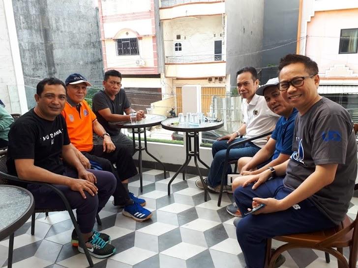 Balon Walikota Makassar UQ, Ngopi Bareng Mantan Ketua DPRD Makassar, Farouk M Beta (Aru)