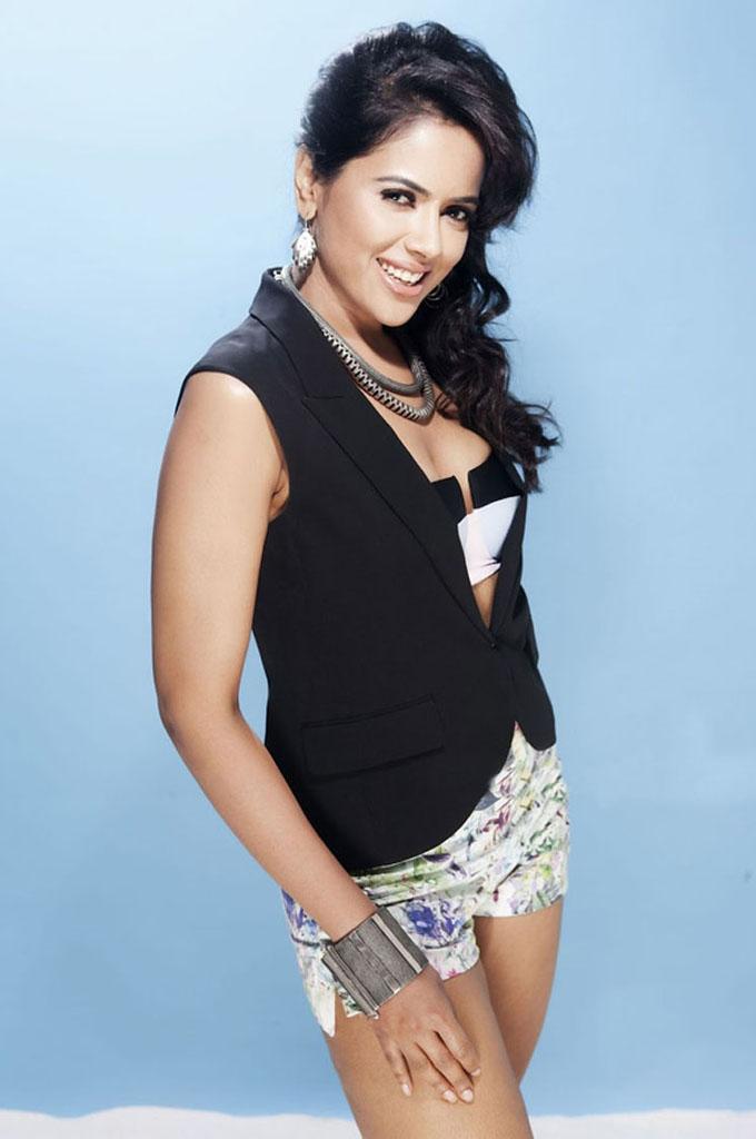 Sameera Reddy Hot Photos ~ HQ PIXZ