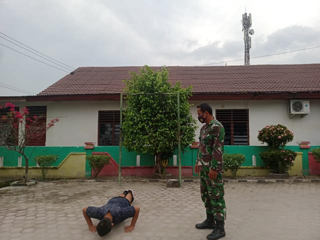 Respon Ingin Masuk TNI, Personel Jajaran Kodim 0208/Asahan Bina Fisiknya Untuk Hadapi Seleksi TNI