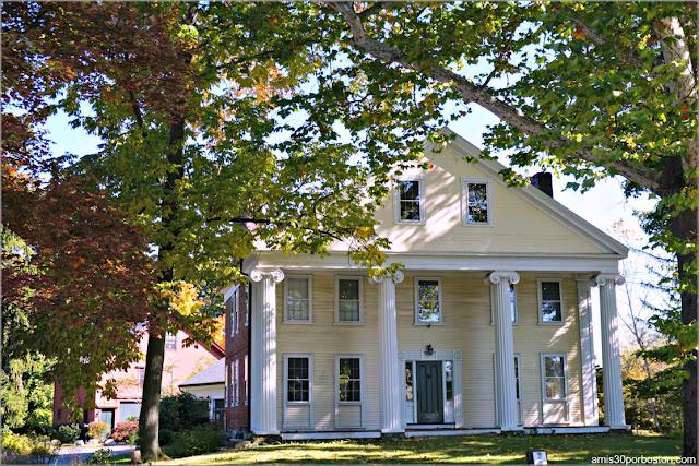 Una de las Casas Cercanas a la Granja Wilson en Lexington