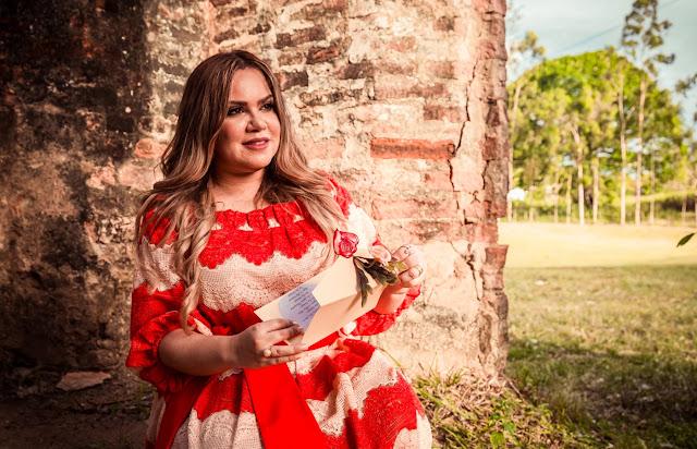 """Sarah Farias lança single: """"Uma história de continuidade"""""""