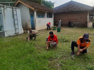 Babinsa Bangun Kebersamaan Melalu Kerja Bakti Bersama Pemerintah Desa