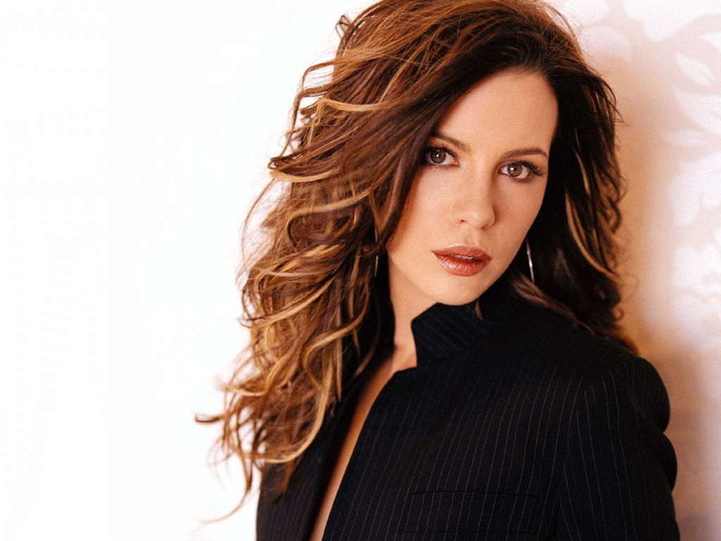 Kate Beckinsale Haircut Hd Wallpapers