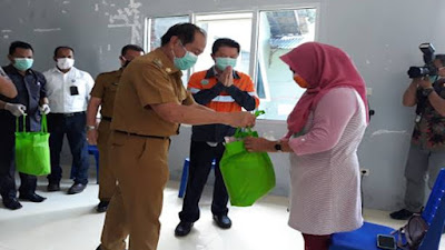 9 Kecamatan Di Kota Bitung Menerima Peralatan Medis Dari Walikota