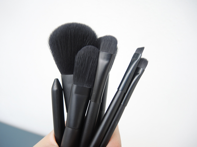 makeup brush, brushes, brush set