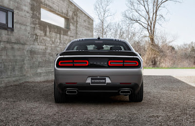 2017 Dodge Challenger GT AWD rear look image