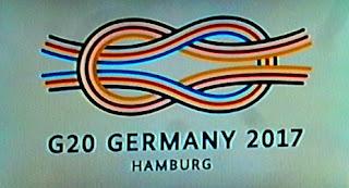 http://daserste.ndr.de/extra3/G20-Lied-Hier-fliegen-gleich,extra13120.html