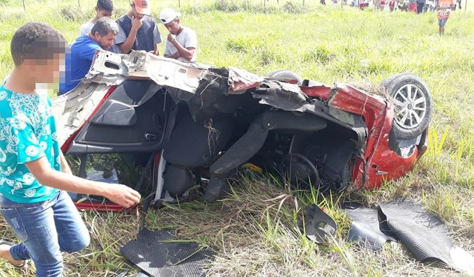 Morre homem que perdeu as pernas após acidente entre carro, ônibus e caminhão na Bahia