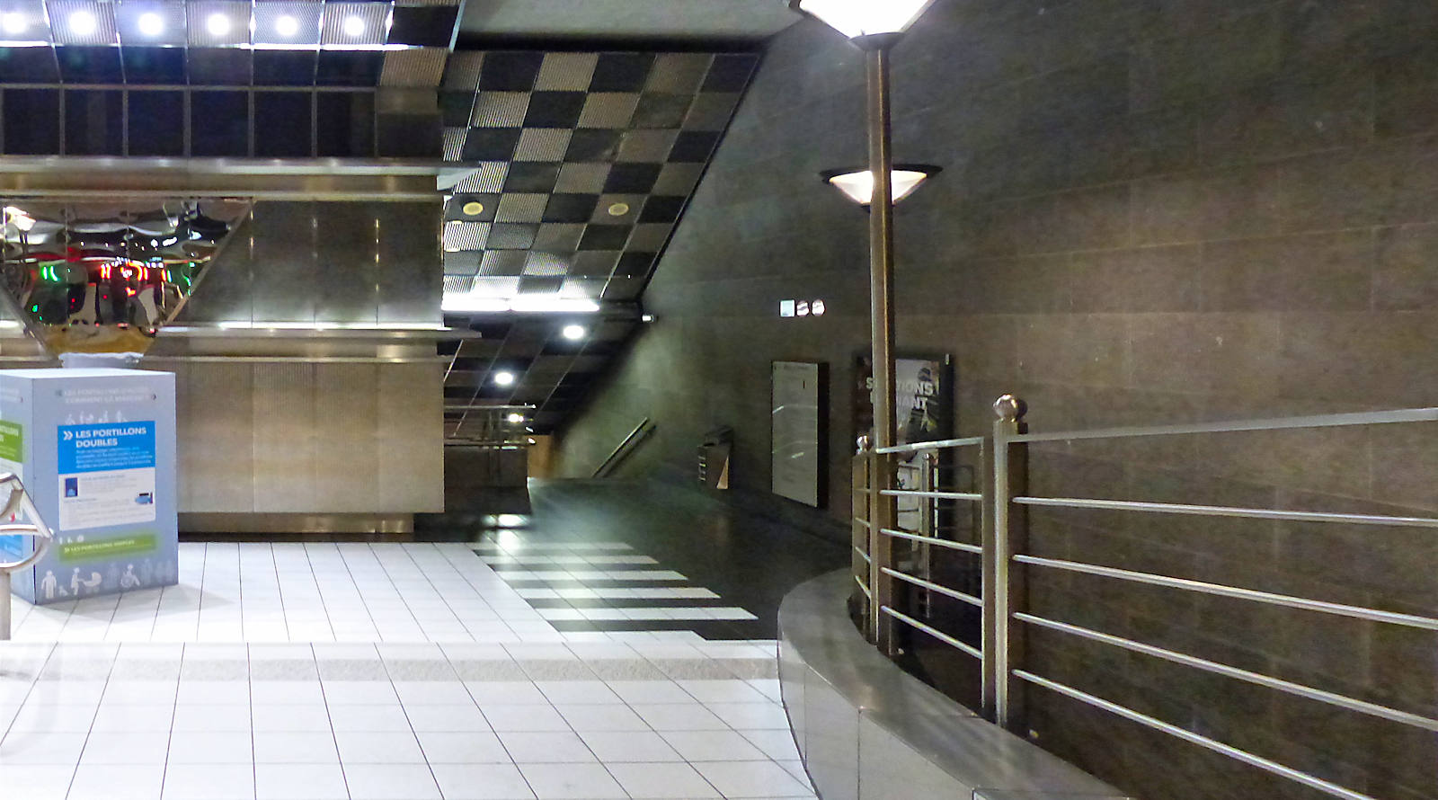 """Station Métro """"Tourcoing Centre"""" - Couloirs"""