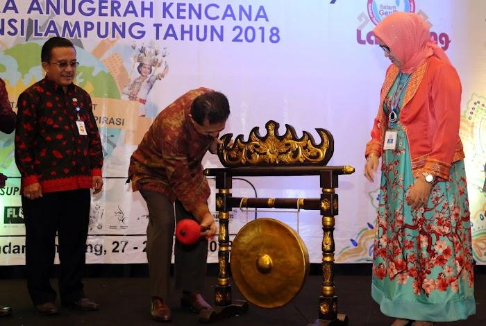 Pemprov Lampung dan BKKBN Beri Anugerah Kencana Bagi Duta Genre 2018