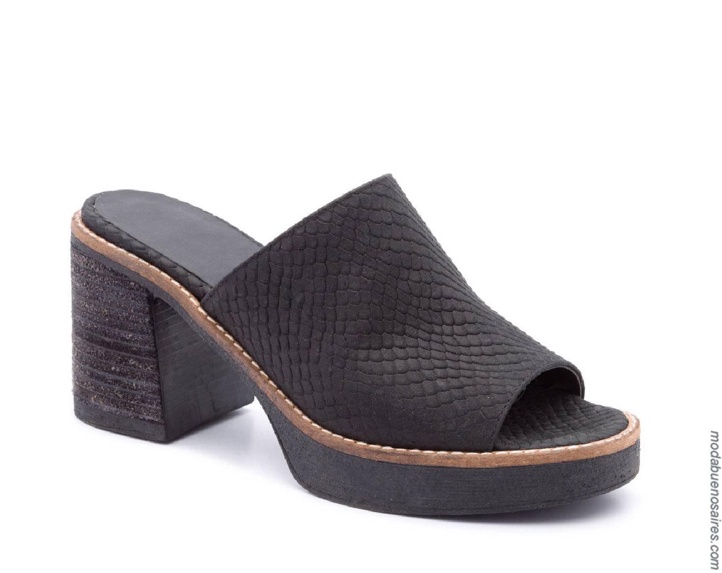 Sandalias primavera verano 2020. Moda primavera verano 2020 calzados.