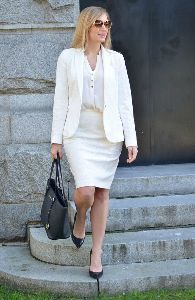 all-white-work-look
