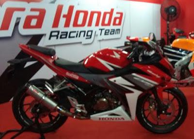 Honda CBR150R 2016 Merah 3