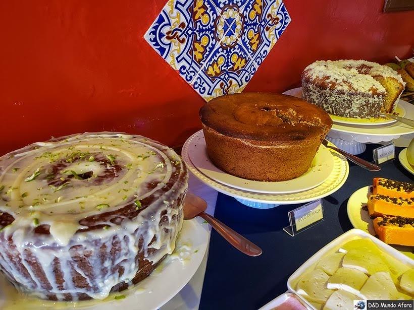 Bolos no Café da manhã na Pousada Arcadia Mineira em Ouro Preto