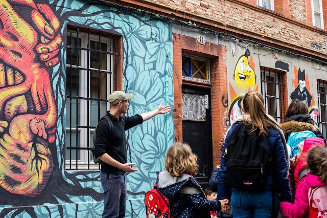 Graffiti-tour. Visite guidée accompagnée street-art à Toulouse. Animation par Boris Sécretin