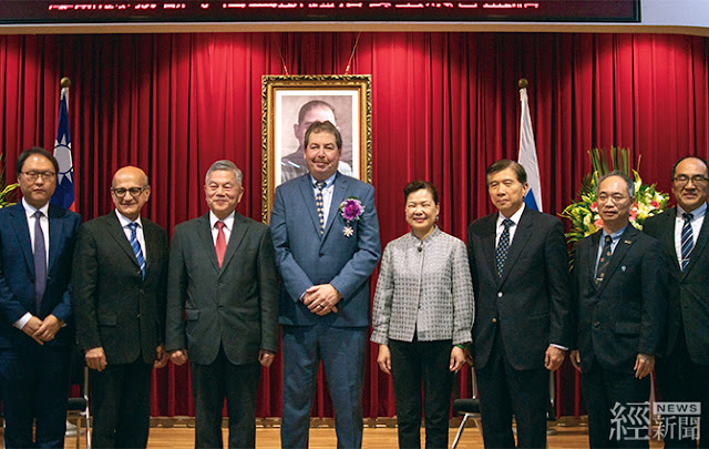 科林研發副總裁凱文詹寧斯獲頒經濟專業獎章