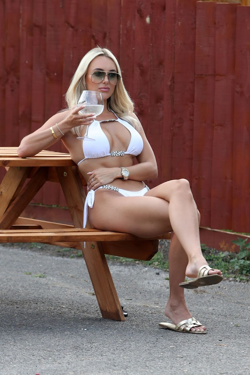 Amber Turner Clicked on the Set of TOWIE in London 9 AUg -2020