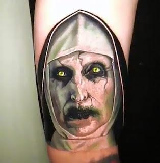 Tatuaje de la monja de El Conjuro 2 (Valak)