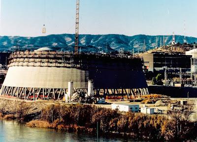 construction de la tour aéroréfrigérante de la centrale nucléaire d'Asco