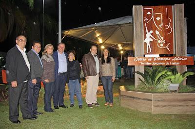 """Prefeito Gilson Fantin inaugura Centro de Formação Artística """"Fermínio Gonçalves de Freitas"""""""